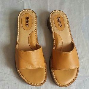 BORN Sandals Tan Size 7 M Slides Leather