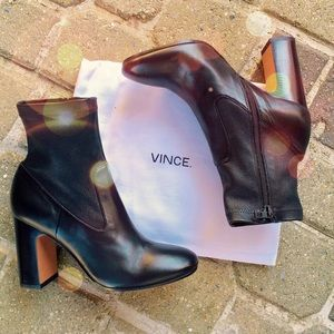 NIB VINCE Calista ankle boot