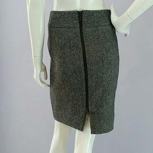 Banana Republic Dresses & Skirts - Banana Republic Back-Zip Pencil Skirt Sz 2P