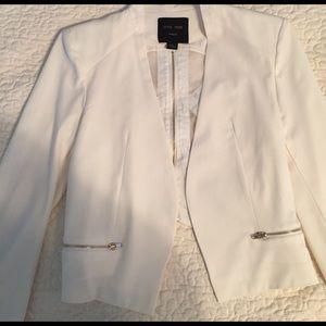 Gorgeous Short White Blazer