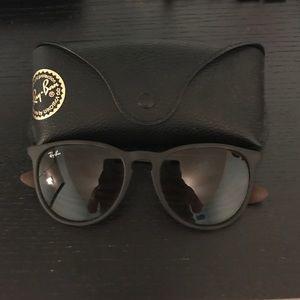 Ray Ban Erika Classic sunglasses