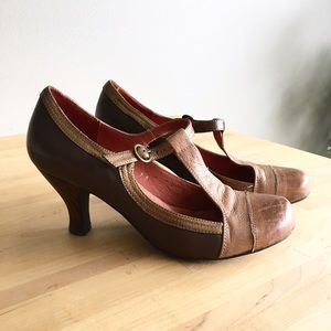 Anthropologie Shoes - Jeffrey Campbell Aina 2 T-Strap Heels