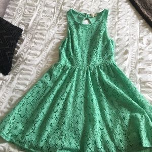 Dresses & Skirts - flowy dresses