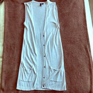 Divided Sweaters - Light grey long button up vest