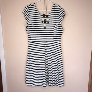 Old Navy Black and White Striped Dress Size L