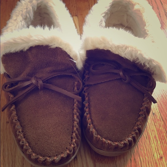 5103c840a74 J.Crew Womens lodge moccasin Slippers, 7, Nutmeg