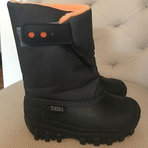 Tundra Other - Toddler size 9 Tundra snow boots.