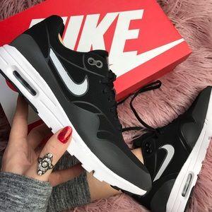 Nike Shoes - NWT Nike air max ultra moire