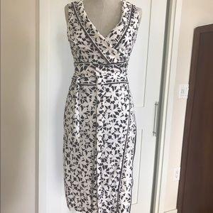 Diane von Furstenberg Dresses & Skirts - 🔥SALE🔥 Diane Von Furstenberg Cut-Out Wrap Dress