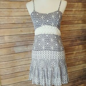 Chloe K Dresses & Skirts - CHLOE K Dress with crochet detail M (4-6)