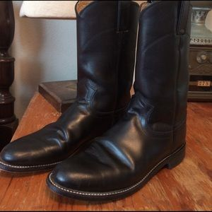 Justin Boots Shoes - Justin black boots.