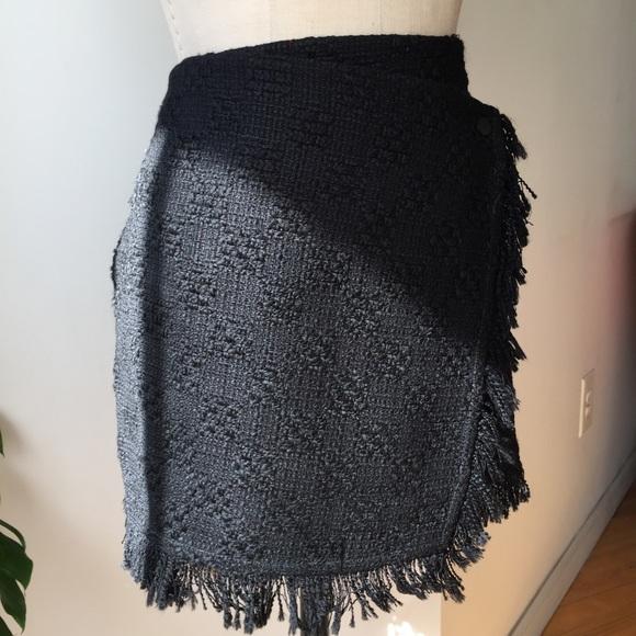 Zara Skirts - ZARA WRAP FRINGE HEM SKIRT SIZE 6 NEW