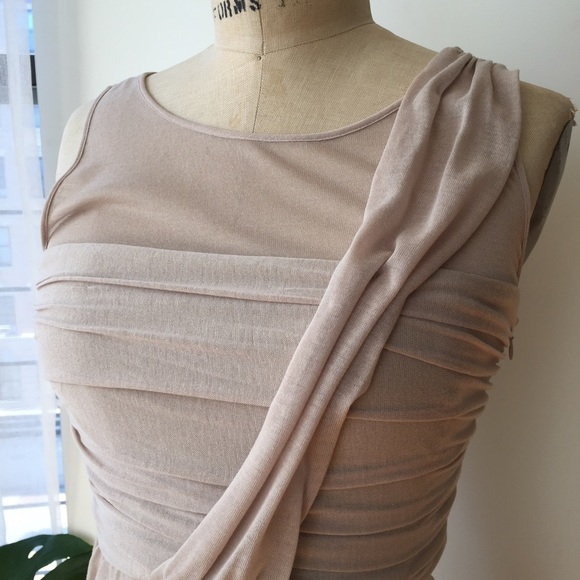 Cynthia Steffe Dresses - CYNTHIA STEFFE NUDE RUCHED DRESS Sz 6