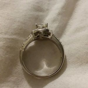 Jewelry - Pre owned CZ engagement ring (never worn)
