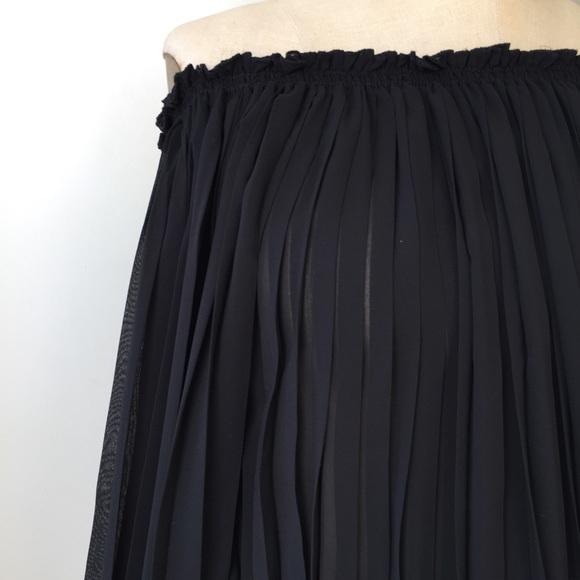 Max Studio Dresses - Max Studio Off the Shoulder Pleated Dress Size Med
