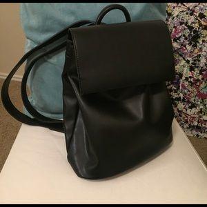 Black Envelope Fold Back Pack