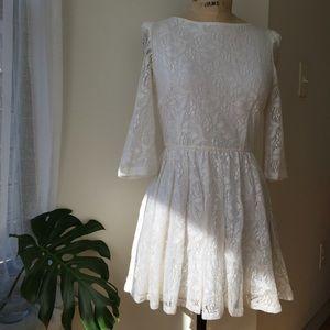 Topshop Dresses & Skirts - Topshop Lace Skater Dress Size 6
