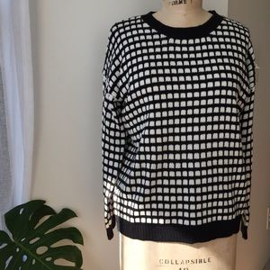 Forever 21 Sweaters - Forever 21 Checkered Sweater Size Medium