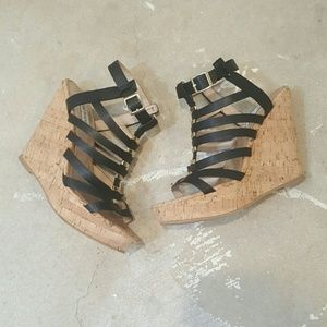 Steve Madden Shoes - Steve Madden Black and Gold Gladiator Wedge Sandal