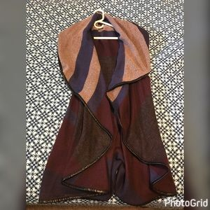 Fraas Tops - Fra'as Poncho Vest! Gorgeous and Light Weight