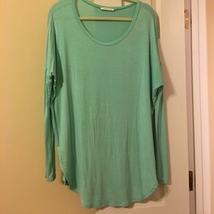 Tops - Mint Piko tunic! Extremely soft!!!