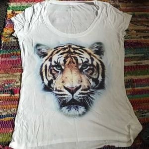 Express tiger graphic tee