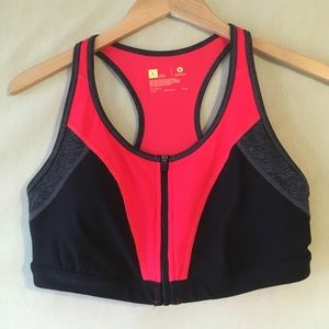 xersion Other - NWOT front zip sports bra from Xersion