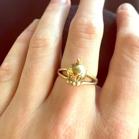 Warner Brothers Gold Tweety Bird Ring from Kristin s closet on