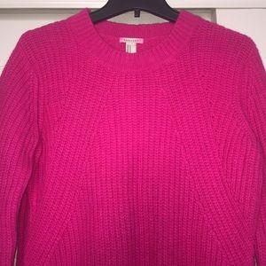 EUC | Magenta Split Hem Ribbed Sweater