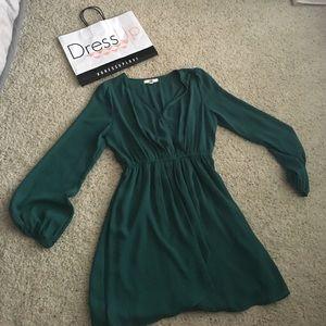 Ya Los Angeles Dresses & Skirts - Green long sleeved short dress. Size L.