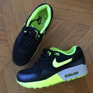 Nike Air Max 1 Size 7