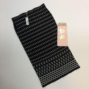 Max Studio Black & White Patterned Midi Skirt NWT