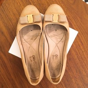 Ferragamo Shoes - 🌟SALE🌟 Ferragamo gold and beige varina flats