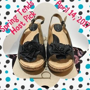 b.o.c. Shoes - NEW b.o.c Black Wedge with Flower