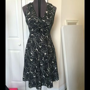 Size 8 Nicole Miller Black and White Floral Dress