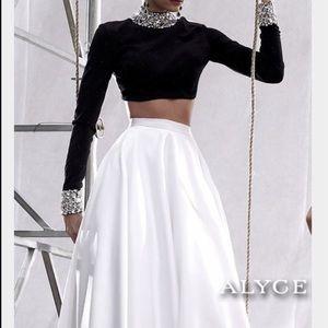Alyce Paris Dresses & Skirts - Alyce Pairs Dress