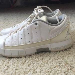 Jordan Shoes - White Jordan's MUST GO