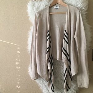 Old Navy Flowy Open Front Cardigan