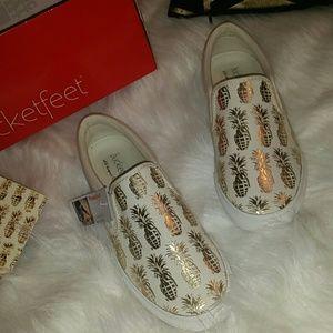 Bucket Feet Shoes - 1 DAY SALE!! Bucketfeet Pineappleade NWT slip ons
