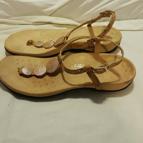 2db50dc43fae Vionic Lizbeth sandals orthoheel. M 58bcbd5e620ff7a9b50b9029