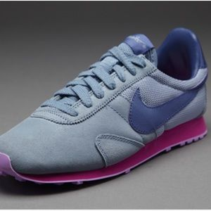 Nike Shoes - Women's NIKE Pre Montreal Racer Vintage