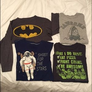 Old Navy Other - Boys graphic tees size 6-7/small