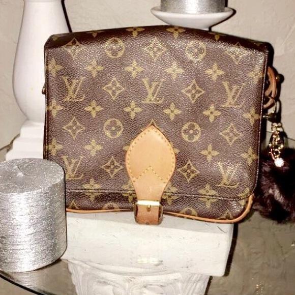 bec39e1ecc10 Louis Vuitton Handbags - 💯% Authentic Louis Vuitton Cult Sierre