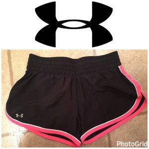 Under Armour Pants - 🎉Host Pick🎉Women's Under Armour Shorts NWOT