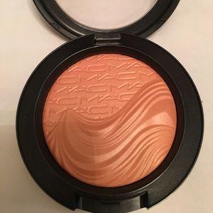 MAC - extra dimension blush