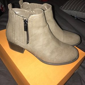 Unisa Shoes - SHIPS TODAY Unisa ankle boots