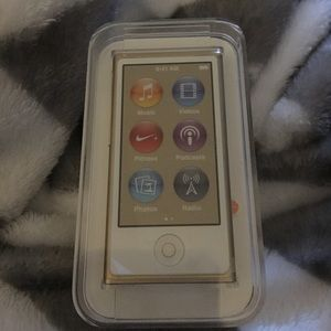 NIB Apple iPod Nano Touch 16GB ⭐️GOLD⭐️