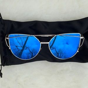SALE💙 Blue Mirrored Cat Eye Mirror Sunglasses