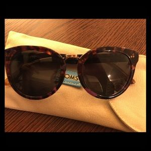 TOMS Accessories - New Toms sunglasses