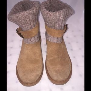 UGG Tan Suede and knit boot size 6